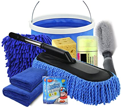 Cubos y productos para lavar el coche