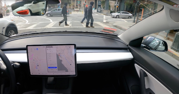 Pantalla Tesla Model 3 con FSD